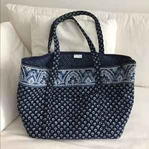 Vera Bradley mid size carry-on bag. Nearly new